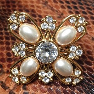 NAPIER statement earrings pearl crystal gold